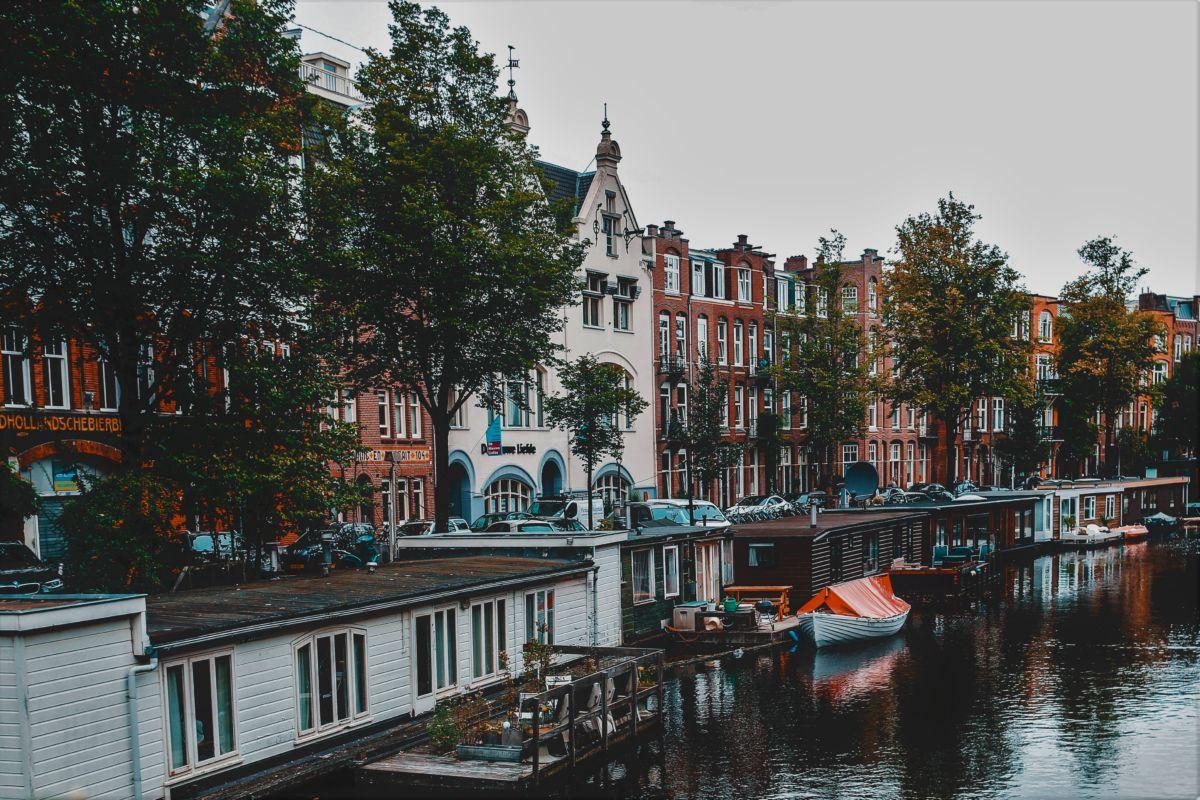 Amsterdam floating flower market